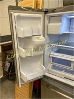 GE Profile Refrigerator/freezer stainless steel