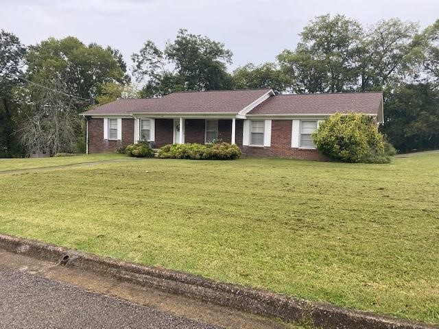 ONLINE REAL ESTATE AUCTION: BRICK HOUSE, CORNER LOT, PULASKI