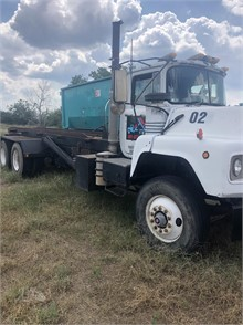 Mack Roll Off Garbage Trucks For Sale In Texas 62 Listings Truckpaper Com Page 1 Of 3