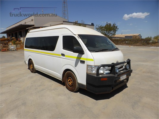 2014 Toyota HIACE - Trucks for Sale
