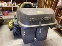 John Deere X590 Lawn Tractor with Bagger