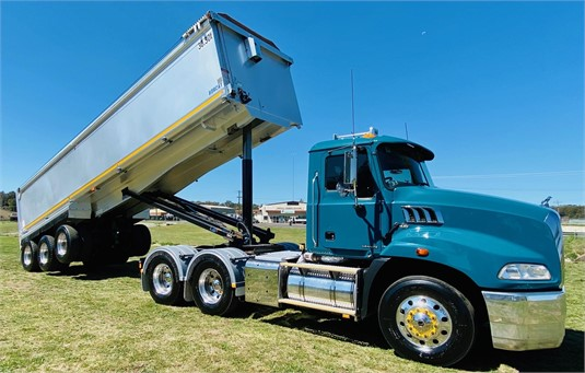 2014 Mack GRANITE 124FR - Trucks for Sale