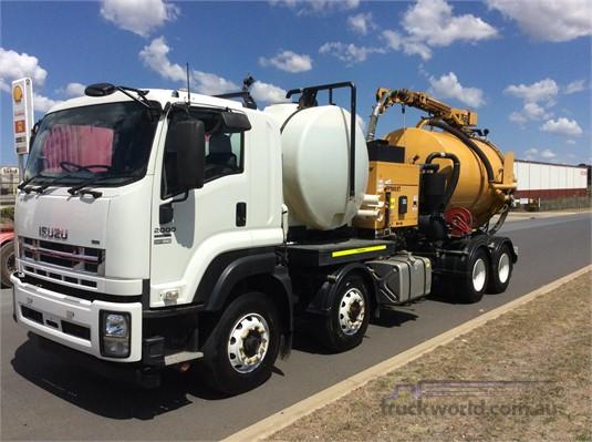 2014 Isuzu FYH - Trucks for Sale