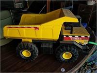 Tonka mighty 768 dump truck