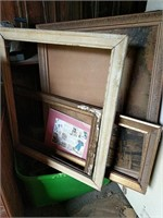 Tote of frames