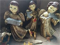 Angels and nativity scenes