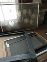 Window screens turned display rack