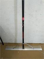 Razorback 36 inch landscape rake