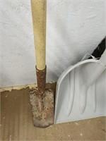Scoop shovel, spade and push broom head