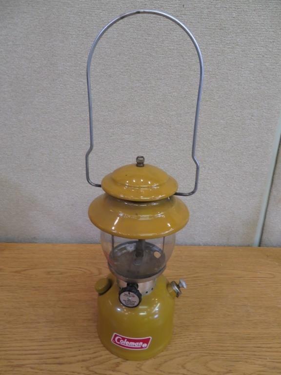 Vintage Rare Gold Bond Coleman Lantern Model 200a