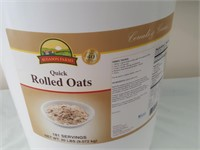 815 - LARGE BUCKET OF QUICK ROLLED OATS