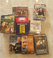 814 - MIXED LOT OF MUSIC & VIDEO CDS