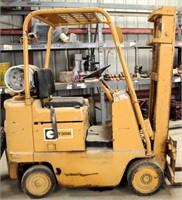 Caterpillar T30B Forklift (view 3)