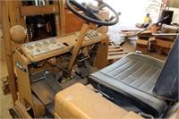 Caterpillar T30B Forklift (view 5)