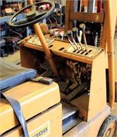 Caterpillar T30B Forklift (view 6)