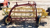 New Holland Side Delivery Rake (view 2)