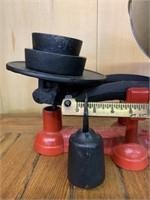 T.Eaton Western 4Lb Balance Scale