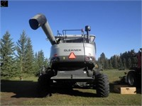 2011 Gleaner A86 Combine