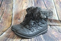 Columbia Womens Winter Boots size 10
