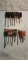 20 Phillips and flat-head screwdrivers, Torx bit