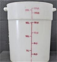 22 qt. Container