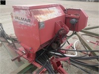 JD 1610, 35' DT cultivator,