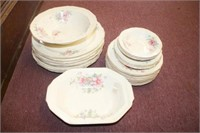 """""""Knowles"""" China Floral Pattern"""