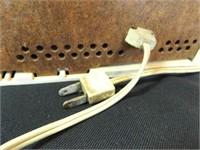 RCA Victor Tube Electric Radio - powers on