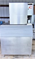 MANITOWOC ice maker with bin & remote (WORKS)