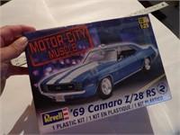 Revell 69 Camaro - unopened
