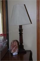 2 lamps (Himalayan salt lamp & a table lamp)