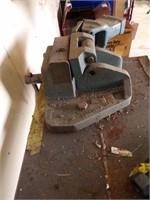 2'x2' Metal working table w/ metal breaks/benders