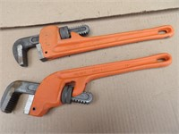 4 pipe wrenches (3 standard, 1 offset)