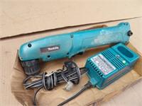 Makita 90 degree screwdriver 9.6v w/ charger
