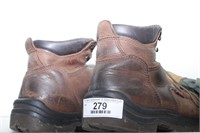 Redwings (9.5) boots & military (size L) mittens