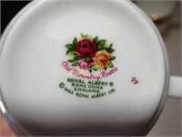 Old Country Roses Mugs