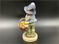 Goebel Hummel Easter Greetings HUM 378