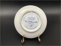 Mini Hummel Plate Love's Bounty HUM 896