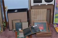 Wall decor - Assorted frames