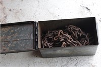Ammo box w/ 26' light duty chain w/ 1 hook