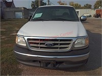 2000 Ford F150 pickup truck - needs work