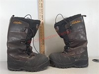 Cabelas mens size 8 heavy snow boots with insert