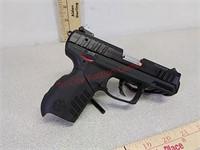 Ruger SR22 22LR pistol handgun with two magazines