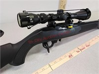 New Ruger 10/22 22LR rifle gun with scope and