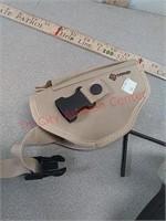 Crosman model 1088 airsoft gun with holster