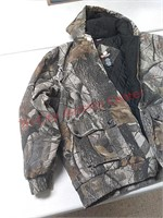 Outfitters ridge realtree camo coat, size xl