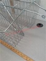 Bicycle saddle basket