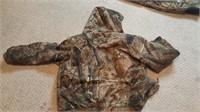 Camoflage insulated bibs & Jacket size large
