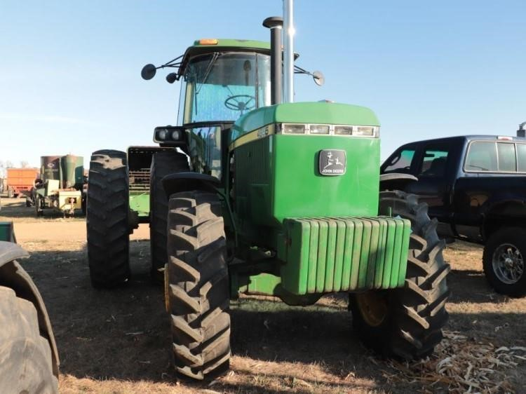 1990 JD 4955 Tractor #P003584