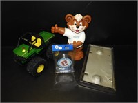 Oct New & Misguided Freight + Antiques & Collectibles